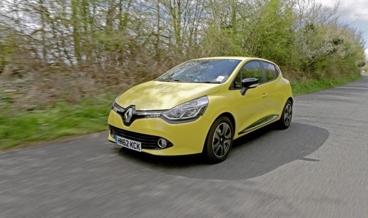 https://www.intelligentinstructor.co.uk/wp-content/uploads/2018/09/Renault_Clio_Mk4_ID123049.jpg